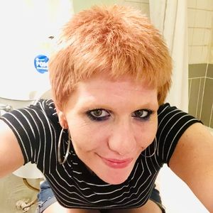 Meet your Posher, Kimberly carolynn